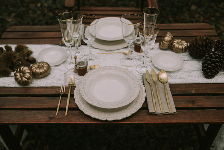 Reception Wooden Table Setting Lace Runner Gold Cutlery Pumpkins Pinecones Organic Woodland Elopement Wedding Ideas http://www.miraalpajarito.es/