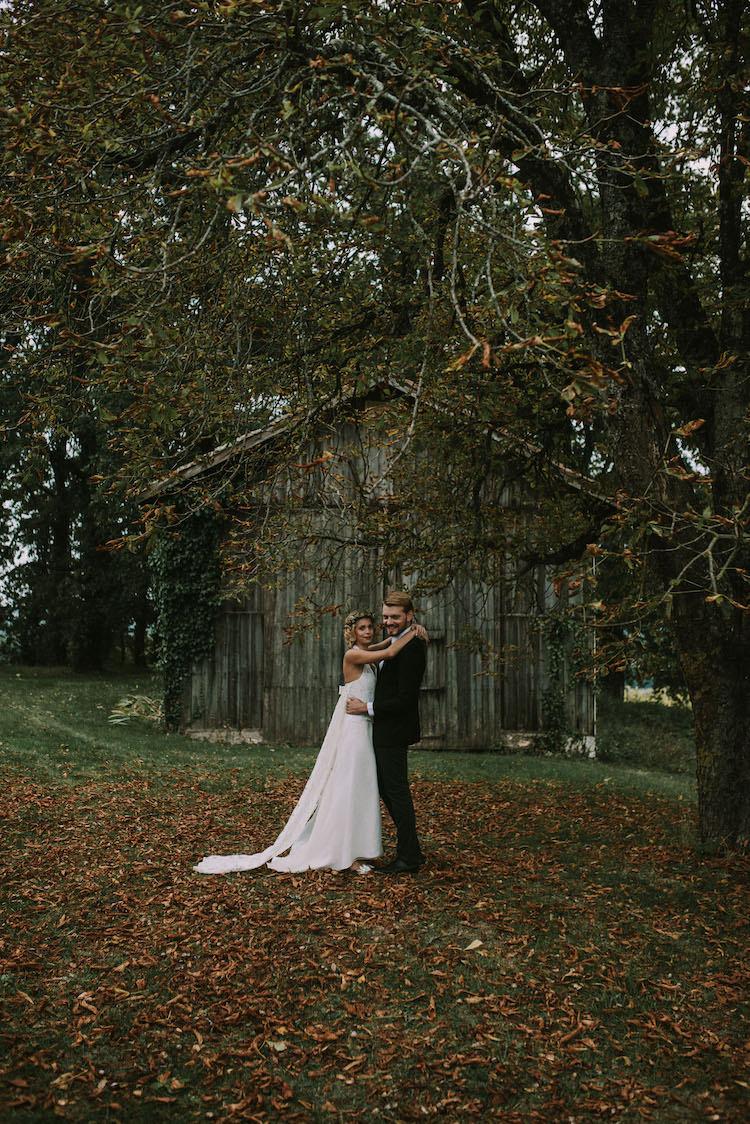 Organic Woodland Elopement Wedding Ideas http://www.miraalpajarito.es/
