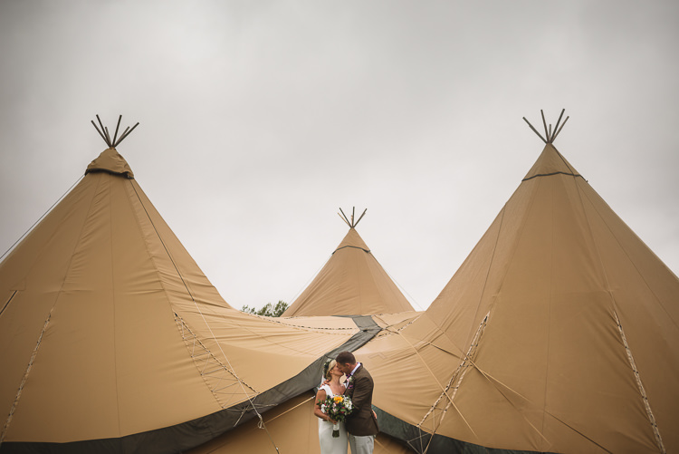 Colourful Outdoorsy Festival Tipi Wedding http://www.jacksonandcophotography.com/