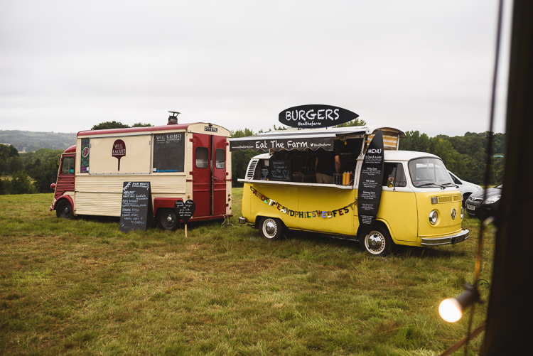Food Trucks Pizza Burger Colourful Outdoorsy Festival Tipi Wedding http://www.jacksonandcophotography.com/