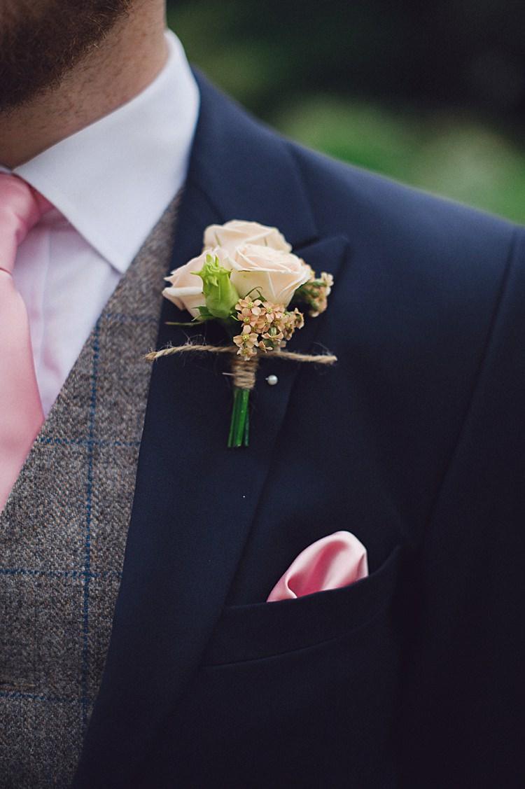 Rose Buttonhole Groom Natural Peach Garden Wedding http://www.juliaandyou.co.uk/
