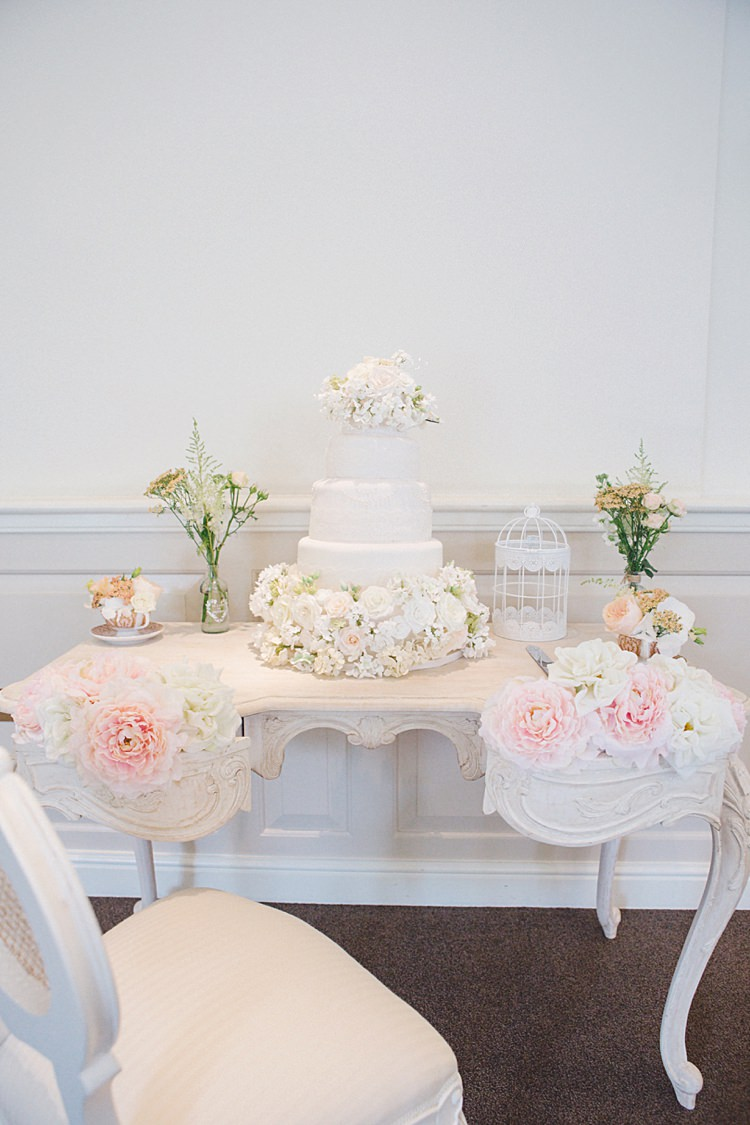 Cake Table Dresser Flowers White Natural Peach Garden Wedding http://www.juliaandyou.co.uk/