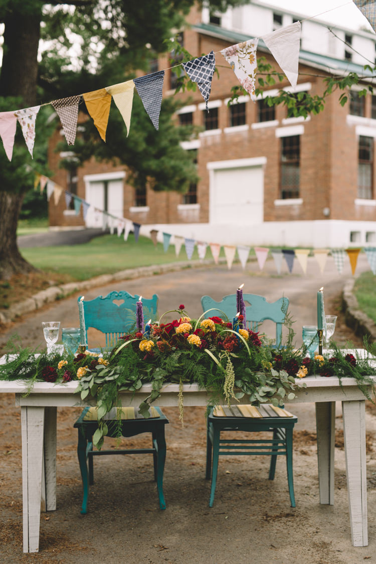 Tablscape Decor Flowers Red Yellow Mint Bunting Boho Gypsy Vintage Circus Wedding Ideas http://www.oakwoodphotography.com/