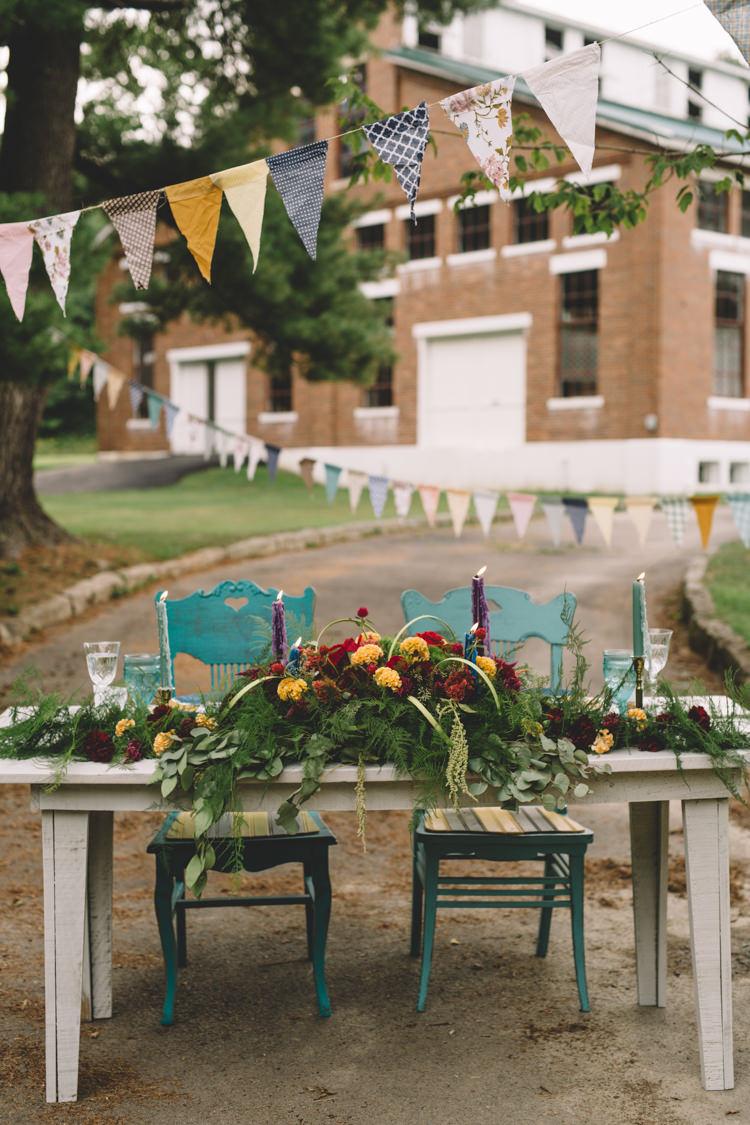 Tablscape Decor Flowers Red Yellow Mint Bunting Boho Gypsy Vintage Circus Wedding Ideas http://www.oakwoodphotography.com/