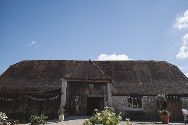 Lower Stockbridge Farm Barn Dorset Rustic Quintessentially English Countryside Wedding http://www.sarahmorris-photography.com/