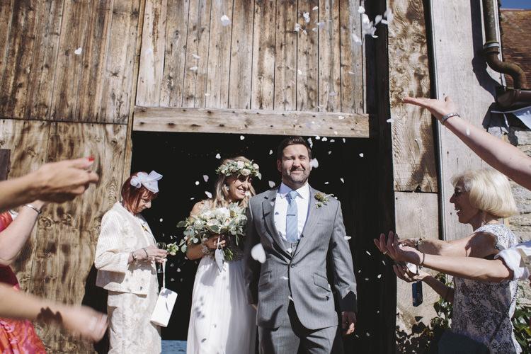 Confetti Rustic Quintessentially English Countryside Wedding http://www.sarahmorris-photography.com/