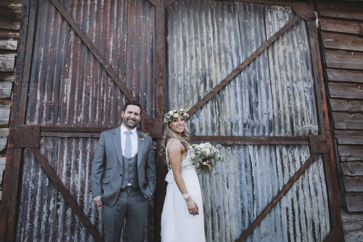 Rustic Quintessentially English Countryside Wedding http://www.sarahmorris-photography.com/