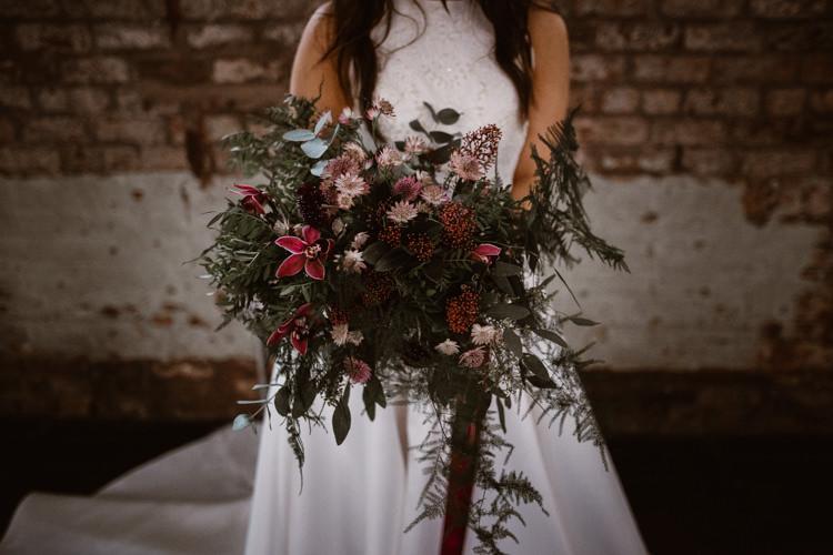Red Burgundy Bouquet Flowers Bride Bridal Ribbon Greenery Dark Romantic Urban Wedding Ideas http://www.agnesblack.com/