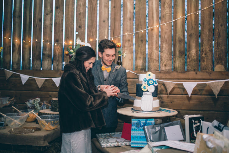 Crafty Country Rustic Wedding http://www.naomijanephotography.com/