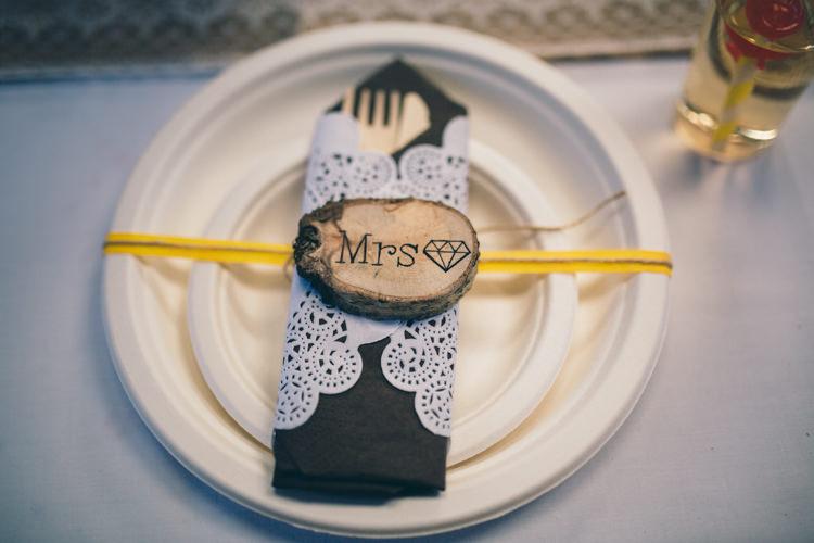Crafty Country Rustic Wedding http://www.naomijanephotography.com/