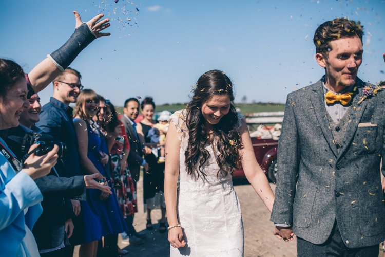 Confetti Petals Crafty Country Rustic Wedding http://www.naomijanephotography.com/