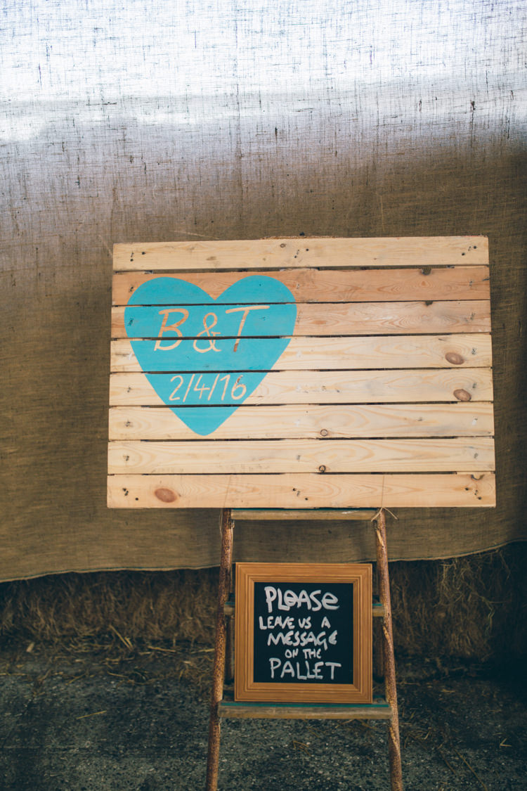 Pallet Guest Book Sign Art Crafty Country Rustic Wedding http://www.naomijanephotography.com/
