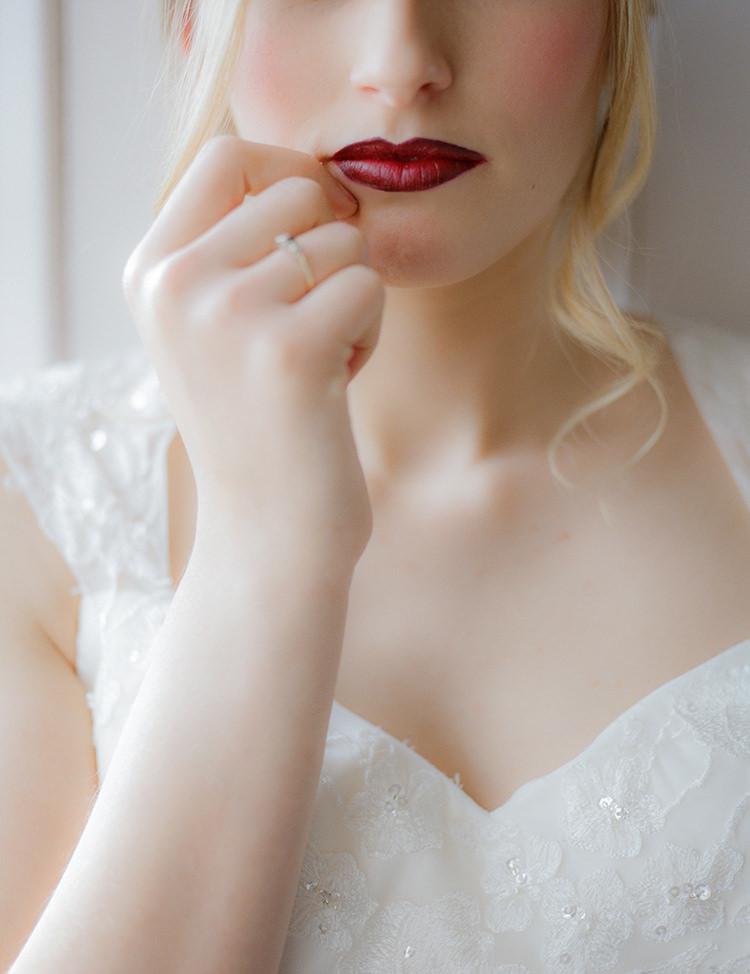 Red Lip Lipstick Berry Bride Bridal Greenery Fine Art Botanical Wedding Ideas http://georginaharrisonphotography.co.uk/
