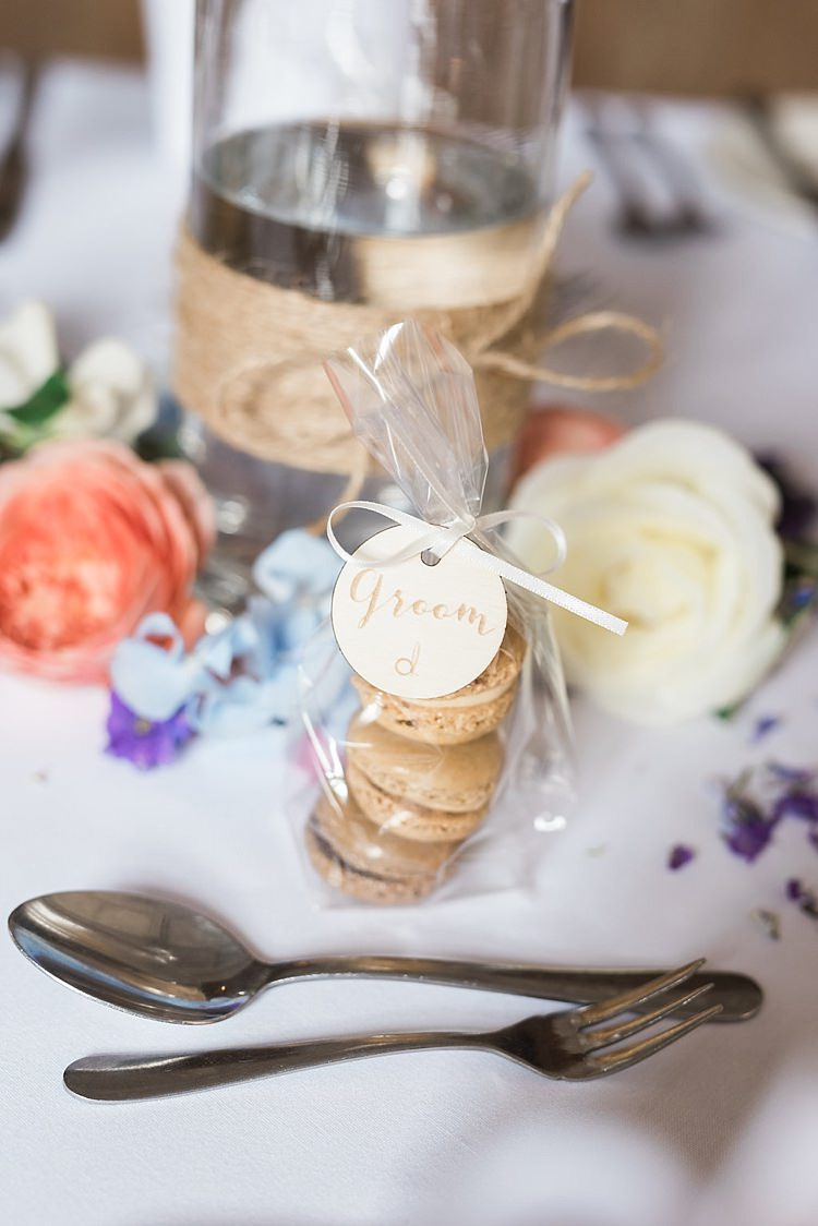 Macaron Favours Wooden Tag Place Name Chic Natural Garden Wedding http://www.folegaphotography.co.uk/