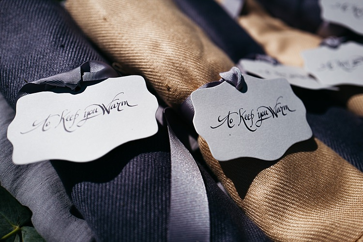 Wedding Favours Warm Scarves Calligraphy Tags Ribbons Rustic Chic Greenery Wedding Ideas in Tuscany http://www.tastino0.it/