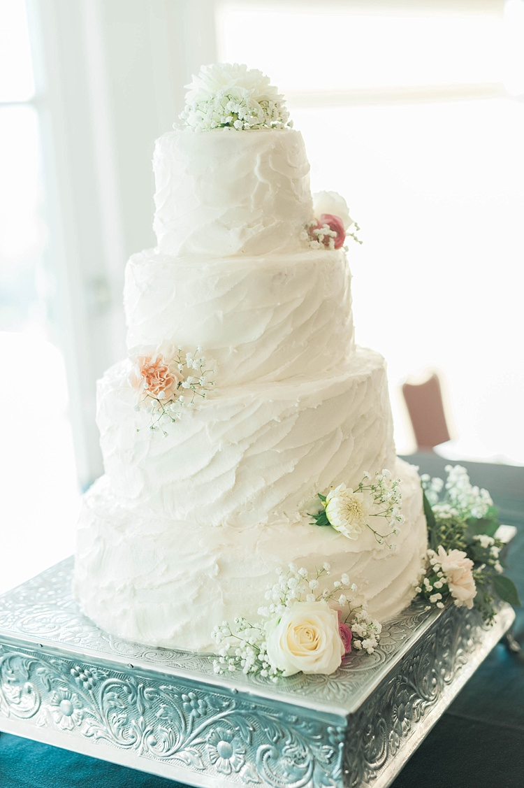 Wedding Cake White Textured Icing Fresh Flowers Roses Gypsophila Mint Cake Stand Soft Blush Sage Green Wedding California http://julia-rosephotography.com/