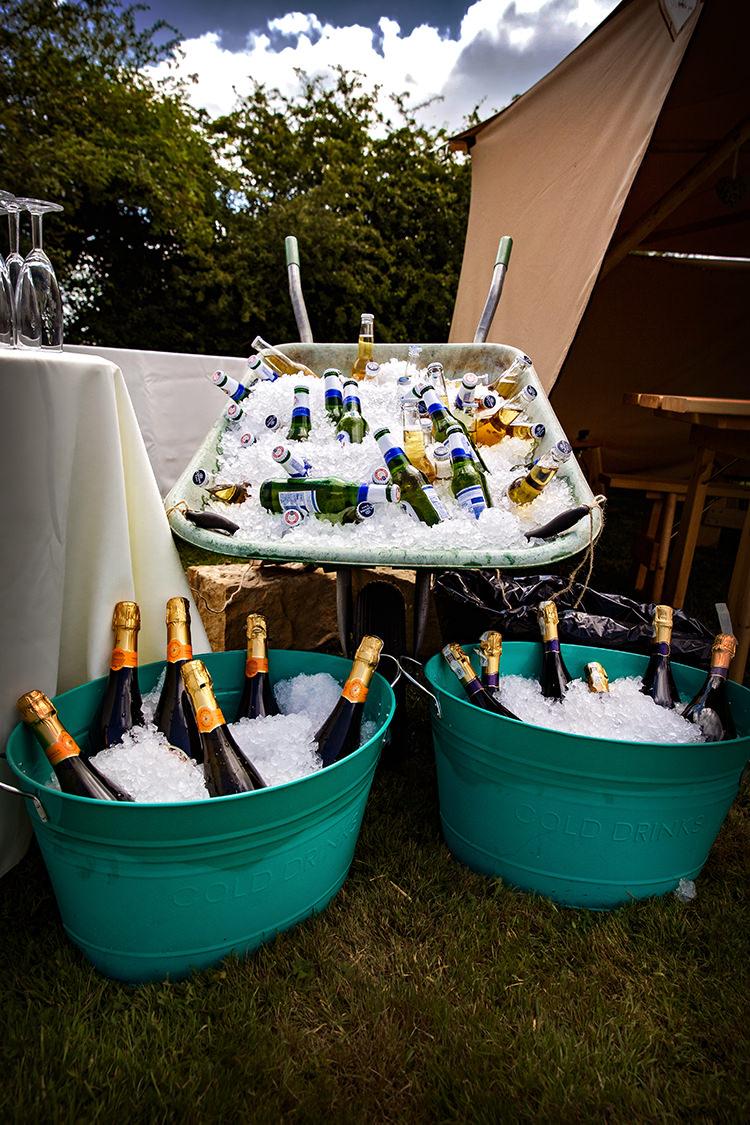 Wheelbarrow Drinks Bath Outdoorsy Garden Rustic Tipi Wedding http://alexabbottphotography.co.uk/