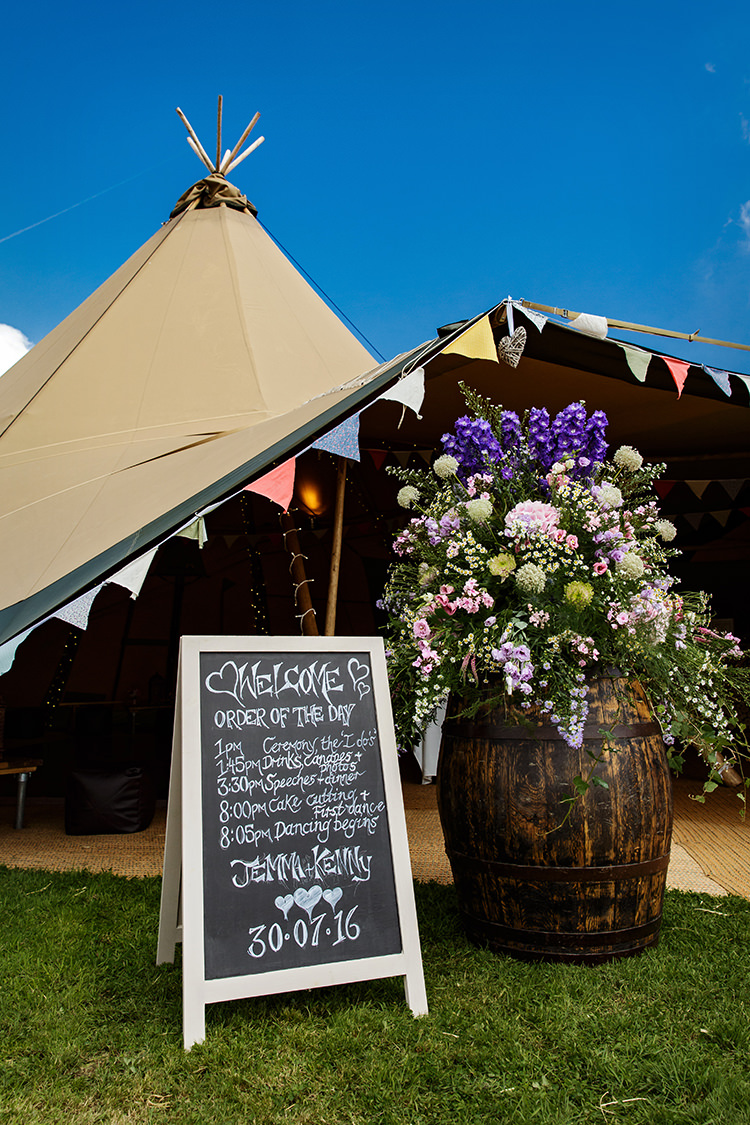 Welcome Sign Barrel Flowers Outdoorsy Garden Rustic Tipi Wedding http://alexabbottphotography.co.uk/
