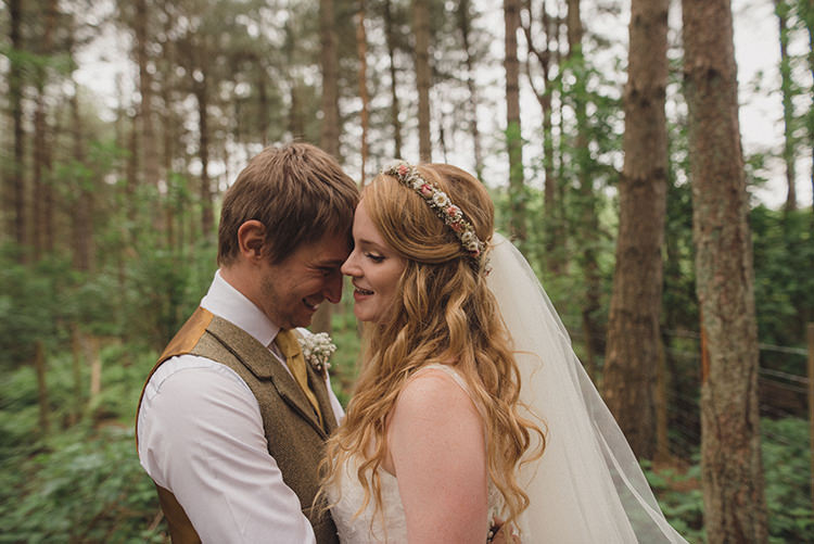 Dried Flower Crown Bride Bridal Veil Waves Hair Rustic Quirky Woodland Wedding http://www.rebeccadouglas.co.uk/