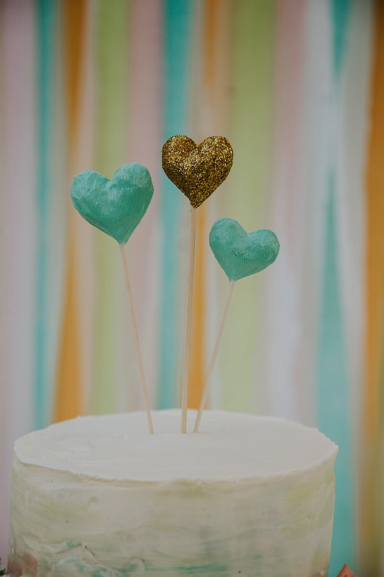 Heart Cake Topper Ribbon Backdrop Colourful Crafty Relaxed Watercolour Wedding https://suesliquephotography.com/