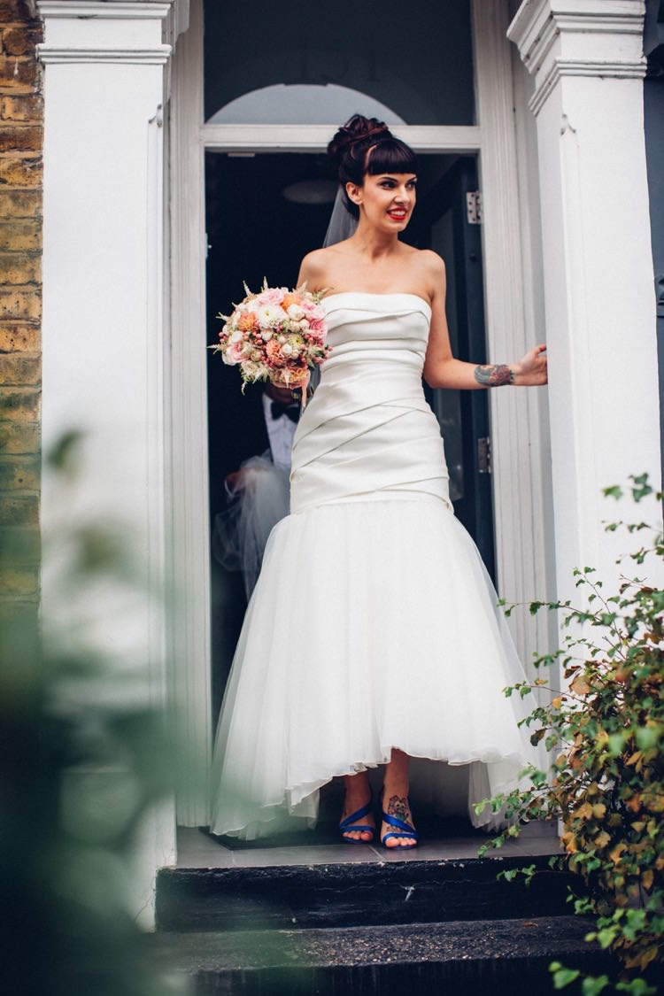 Vera Wang Strapless Grown Dress Bride Bridal Colourful Modern Fun Balloons Wedding http://www.lovestruckphoto.co.uk/