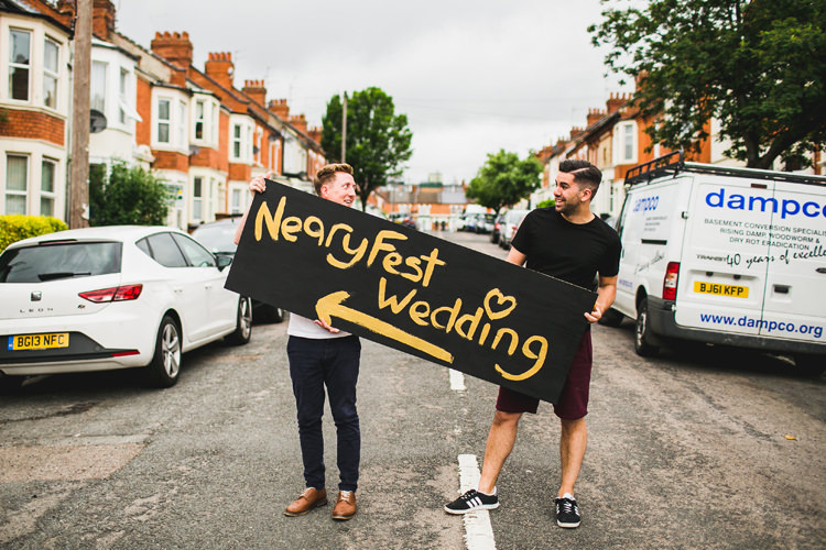 Sign Post Fun Festival Glamping Wedding https://storry.co.uk/