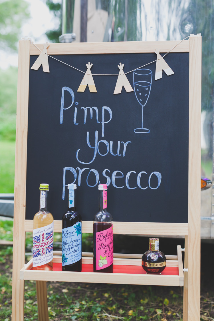 Pimp Your Prosecco Bar Drinks Station Sign DIY Summer Tipi Wedding http://www.eva-photography.com/
