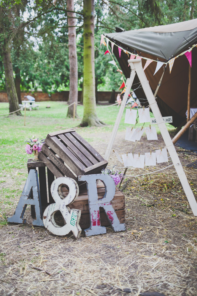 Giant Letters Crate Decor DIY Summer Tipi Wedding http://www.eva-photography.com/
