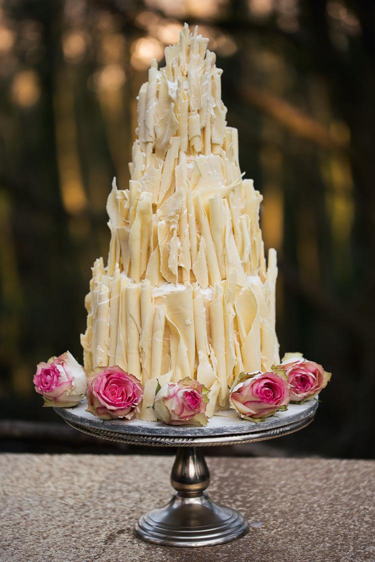Chcolate Cake White Roses Shard Beauty And The Beast Wedding Ideas https://sophiecarefull.co.uk/