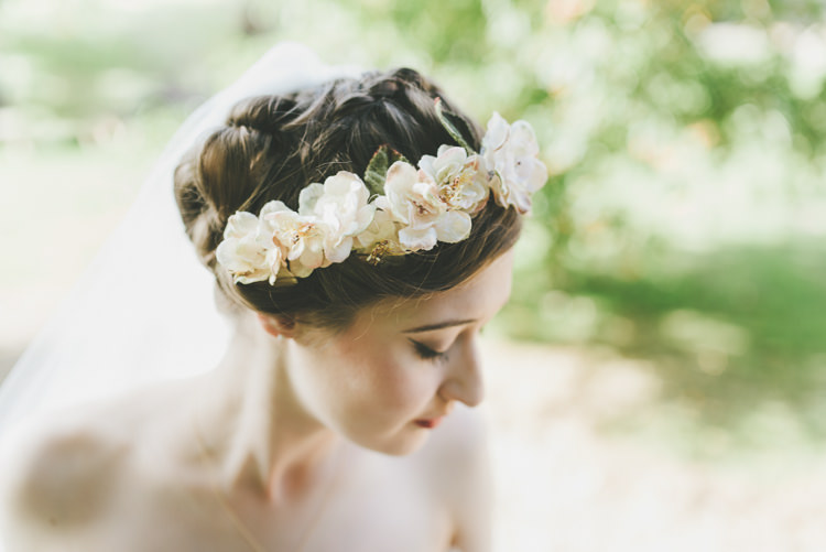 Flower Crown Headdress Accessory Bride Bridal Hair Eclectic Quirky DIY Vintage Wedding https://www.georgimabee.com/