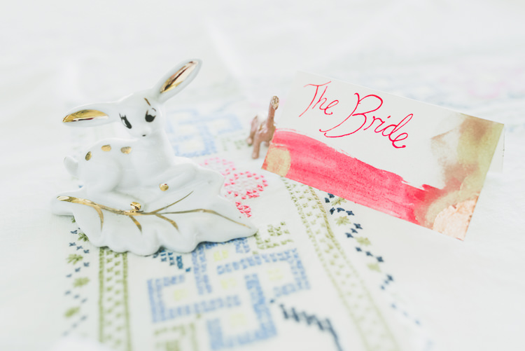 Deer Ornament Place Name Card Eclectic Quirky DIY Vintage Wedding https://www.georgimabee.com/