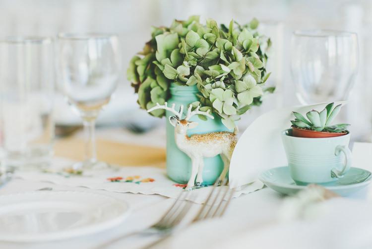Deer Ornament Dried Hydrangea Eclectic Quirky DIY Vintage Wedding https://www.georgimabee.com/