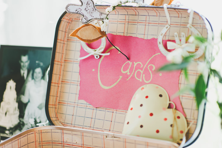 Card Suitcase Eclectic Quirky DIY Vintage Wedding https://www.georgimabee.com/