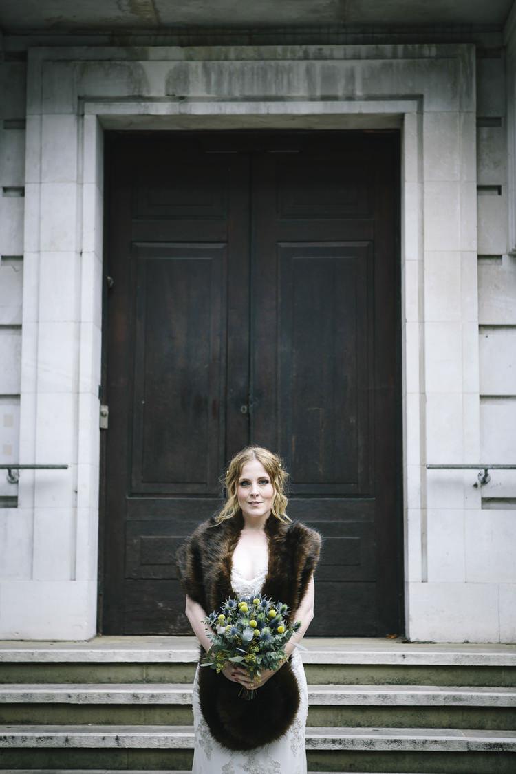 Fur Stole Bride Bridal Accessory Stylish Clean Modern City Wedding https://mybeautifulbride.co.uk/