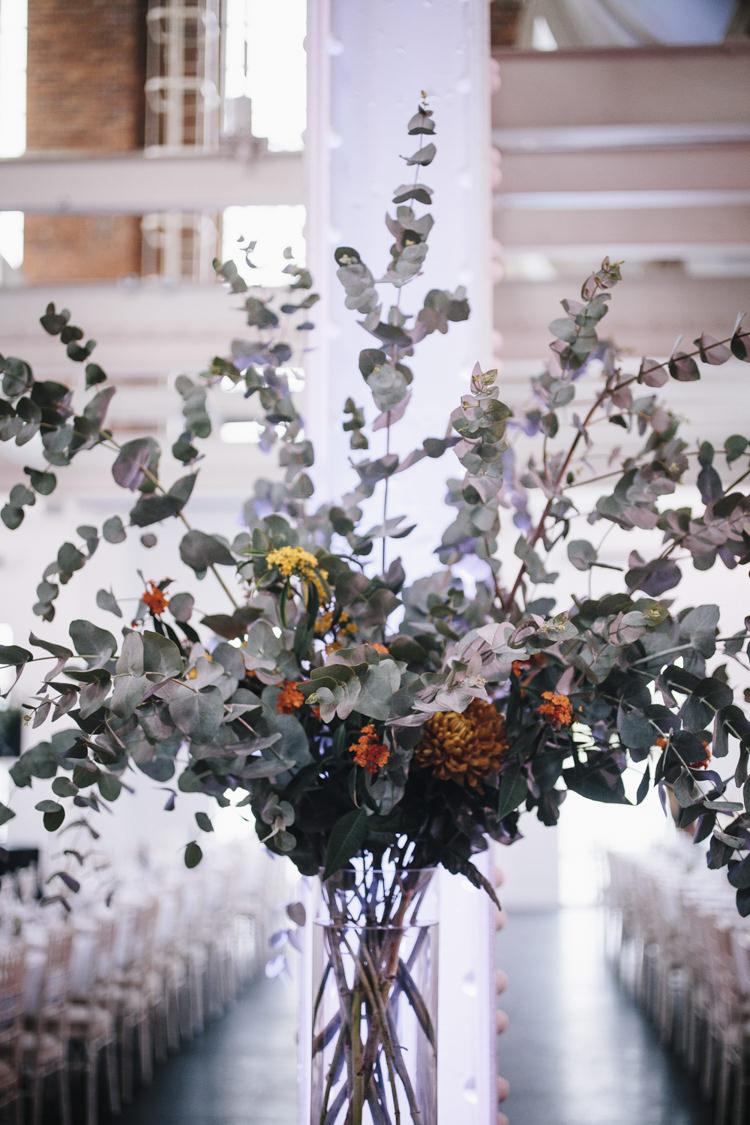 Eucalyptus Greenery Foliage Flowers Vase Decor Stylish Clean Modern City Wedding https://mybeautifulbride.co.uk/