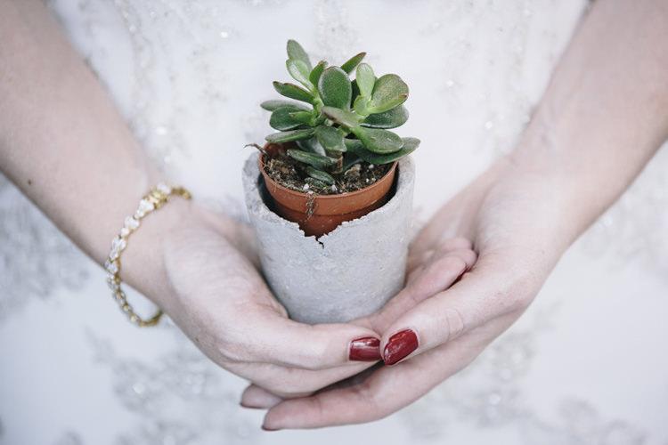 Concrete Succulent Favours Stylish Clean Modern City Wedding https://mybeautifulbride.co.uk/
