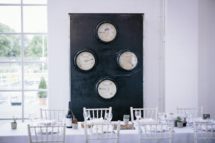 Stylish Clean Modern City Wedding https://mybeautifulbride.co.uk/