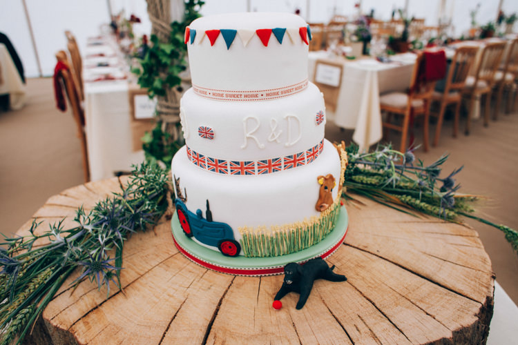 Cake Tractor Union Jacks Hand Made Red White Blue Farm Wedding http://www.caseyavenue.co.uk/
