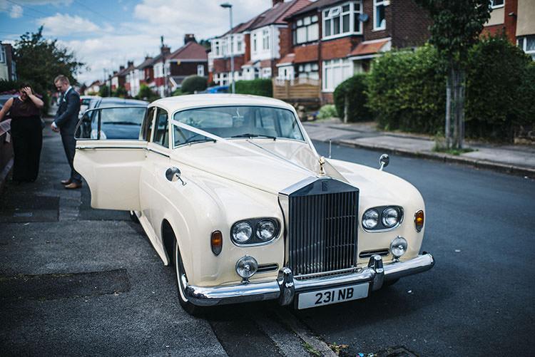 Classic Cream Car Mint Green Natural Wedding https://www.kerrywoodsphotography.com/