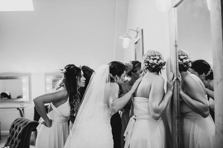 Elegant Stylish Floral Wedding http://www.jordannamarston.com/