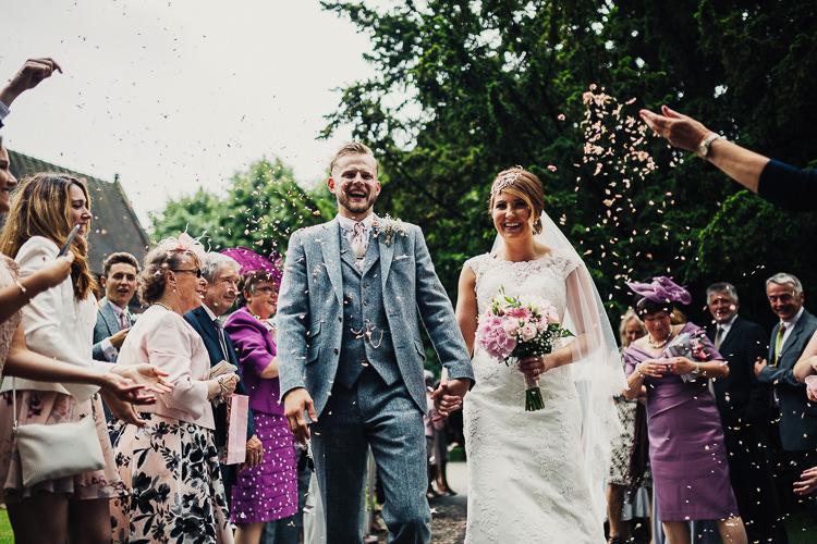 Confetti Throw Quirky Crafty Rustic Barn Wedding http://www.stevebridgwoodphotography.co.uk/