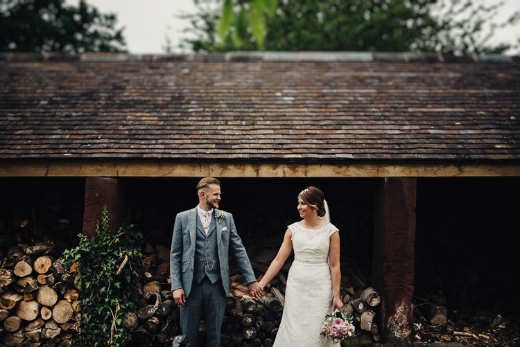 Quirky Crafty Rustic Barn Wedding http://www.stevebridgwoodphotography.co.uk/