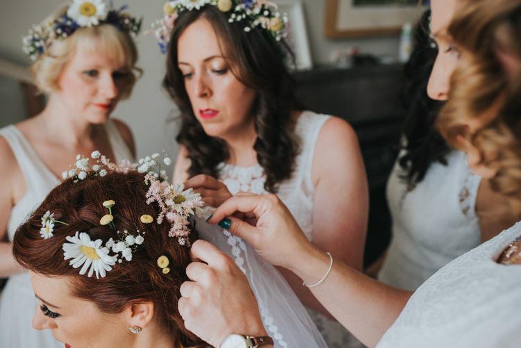 Daisy Daisies Flowers Hair Bride Bridal Crown Veil Multicoloured Crafty Carnival Wedding http://alicethecamera.co.uk/