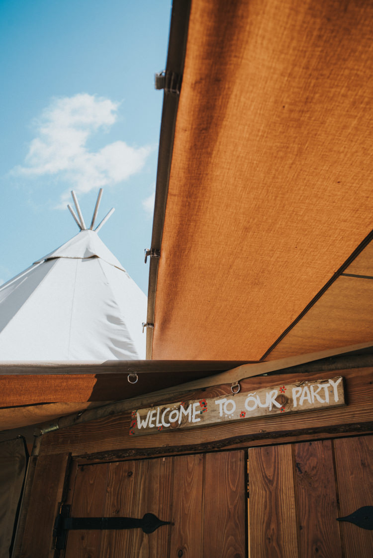 Tipi Wooden Rustic Sign Multicoloured Crafty Carnival Wedding http://alicethecamera.co.uk/