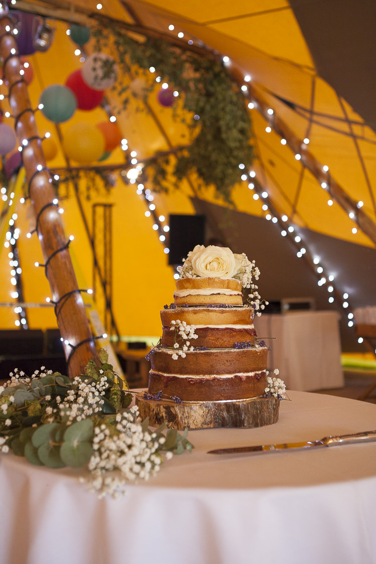 Naked Cake Sponge Layer Buttercream Flowers Boho Country Tipi Wedding http://www.gabriellemcmillan.com/