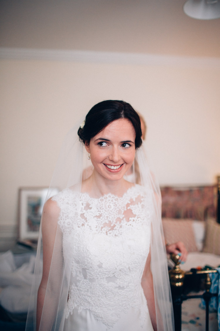 Bride Bridal Make Up Veil Pretty Quintessential English Country Garden Wedding http://blondiephotography.co.uk/