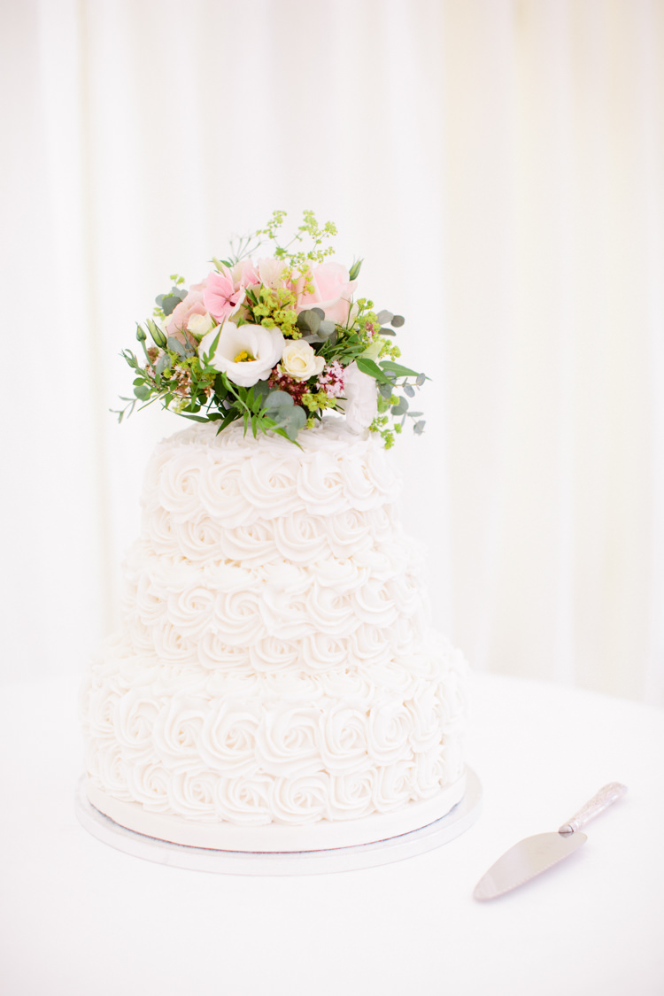 Swirl Buttercream Cake White Flowers Pretty Pink Garden Party Wedding http://www.helencawtephotographyblog.com/