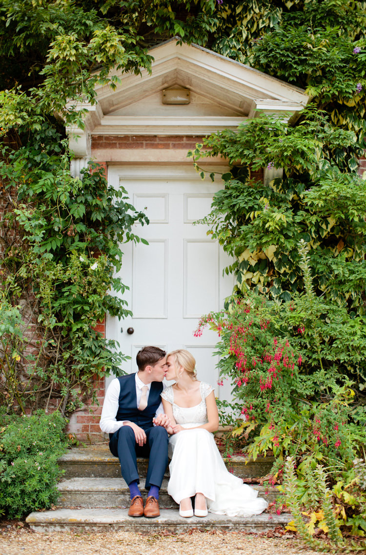 Pretty Pink Garden Party Wedding http://www.helencawtephotographyblog.com/