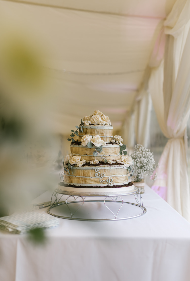 Wooden Log Cake Natural Sage Green Farm Wedding https://www.loveluella.co.uk/