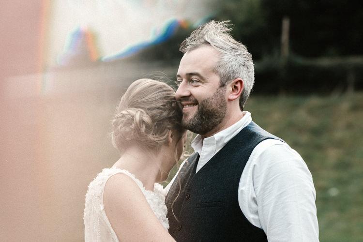 Natural Sage Green Farm Wedding https://www.loveluella.co.uk/